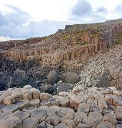 image of giants causeway in belfast in uk