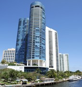 image of canal in fort lauderdale in usa