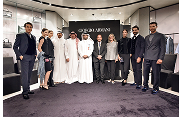 The fashion preview was held at the Giorgio Armani boutique located at Qatar Duty Free, hosted by (centre right) Qatar Duty Free Senior Vice President Mr. Keith Hunter, and (centre) Hamad International Airport Chief Operating Officer Mr. Badr Mohammed Al Meer