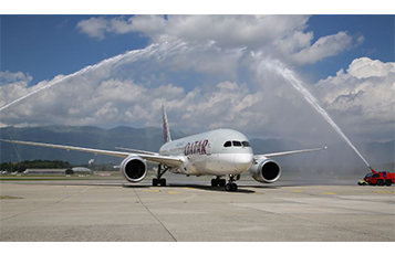 Qatar Airways' Boeing 787 Dreamliner lands at Geneva International Airport. Pic courtesy: Genève Aéroport