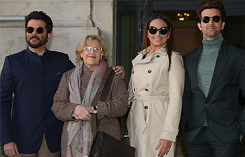 Bollywood actors Anil Kapoor, Sonakshi Sinha and Hrithik Roshan with the Mayor of Madrid Manuela Carmena