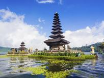 Image of the Pura Ulun Danu Bratan temple in Bali, Indonesia.